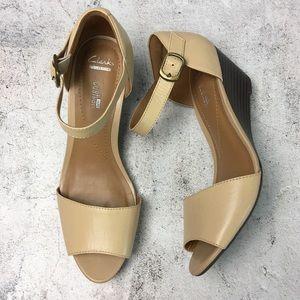 Clarks Brielle Drive Smart Wedge Sandal Nude 8M